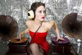 Fotografie schöne Disco dj mit Plattenspieler