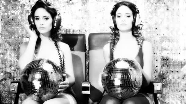 Sexy Disco-Frau zweimal gefilmt