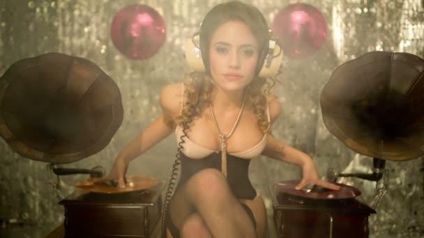 Music babe beautiful dj woman gramophone