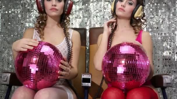 szexi disco nő filmre kétszer