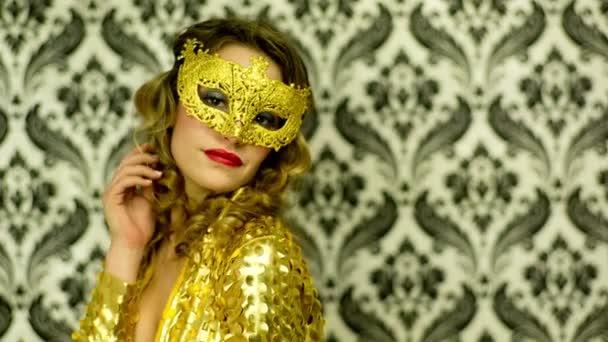 Szexi nő, velencei karnevál-maszk