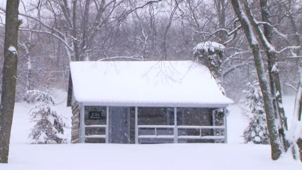 faház a hóban