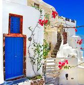 Fotografie bílá - modrá santorini - tradiční architektura