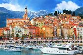 Fotografie krásná menton - barevné přístavní město, hranice Francie Itálie