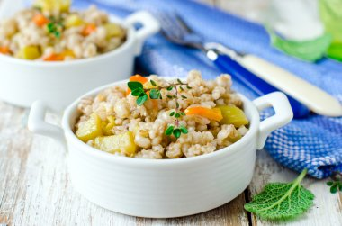 Barley porridge with vegetables