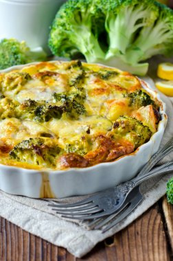 Casserole with broccoli and fish