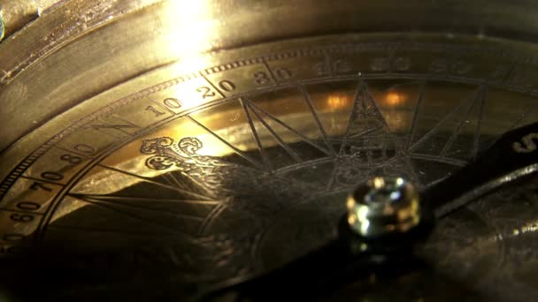 Golden compass - extrém Vértes