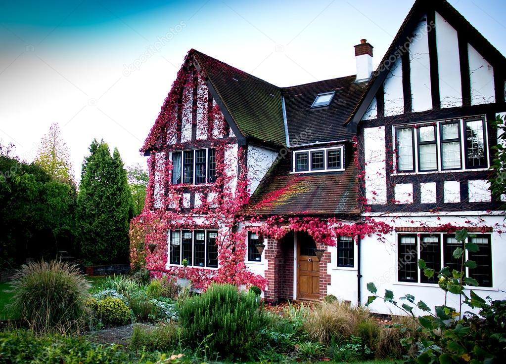 Casa inglese foto editoriale stock marcogovel 36970551 for Piani di casa cottage inglese