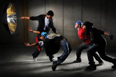 Hip Hop Men Performing