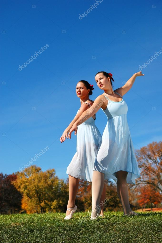 Ballerinas Performing