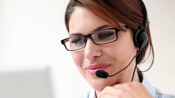 žena služeb zákazníkům
