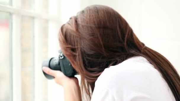 amatérský fotograf pomocí dslr