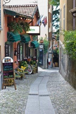narrow street in Bellagio