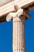 Jónský sloup erechteion, Akropolis, Atény, Řecko