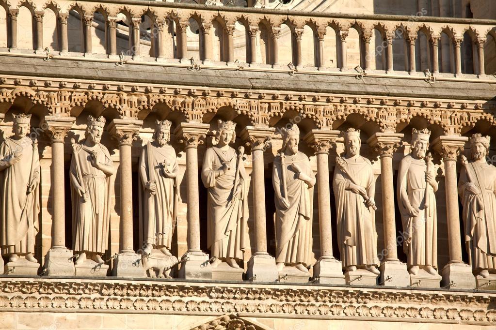 Estátuas de reis, Catedral de notre-dame de paris (1160-1345), paris — Fotografia de Stock