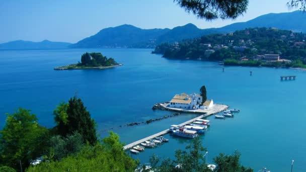 Zeitraffer: Luftaufnahme des Klosters Vlacherna bei Tag, Kanoni, Korfu, Griechenland.