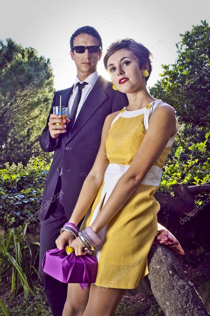 mode portrait du jeune couple de style r tro des ann es 60 photographie tommasolizzul 13764469. Black Bedroom Furniture Sets. Home Design Ideas