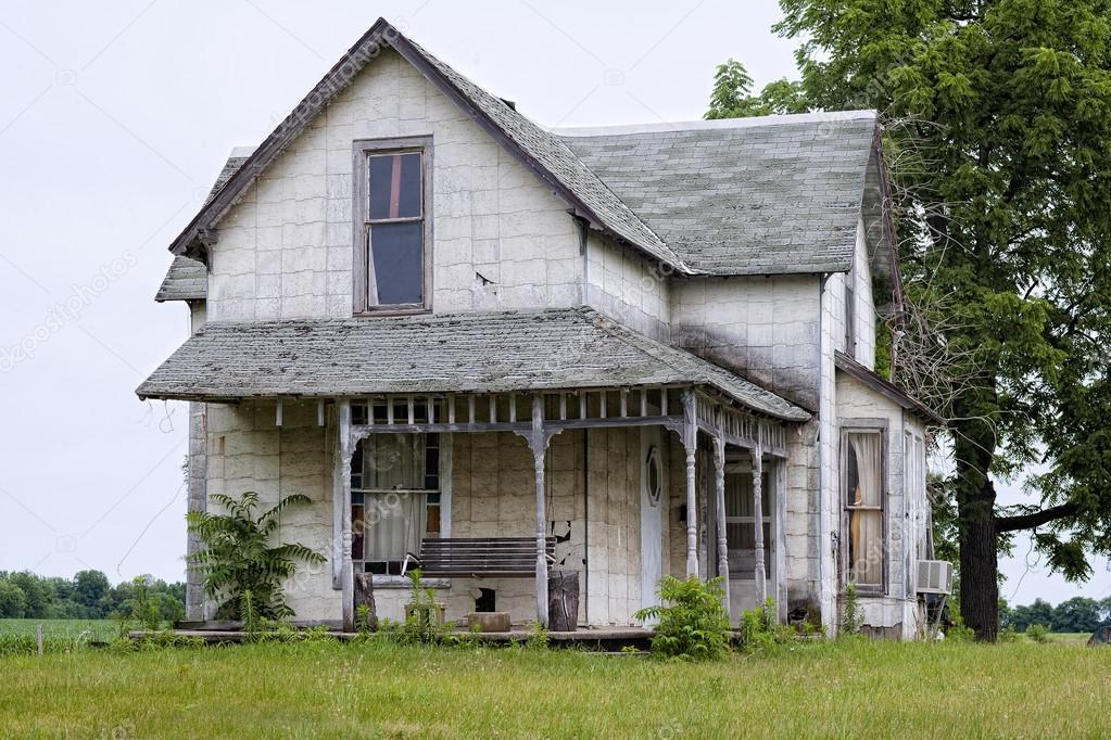 altes haus mit schaukel stockfoto kozzi2 18359577. Black Bedroom Furniture Sets. Home Design Ideas