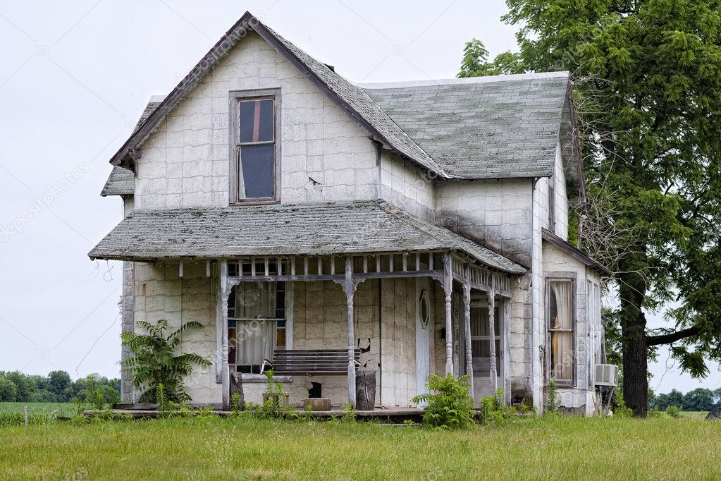 Schommel In Huis : Oud huis met schommel u stockfoto kozzi