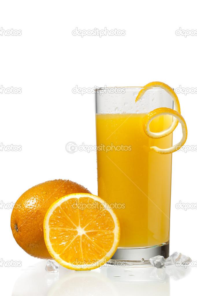 Verre De Jus D Orange Avec Orange Peeling A Cote D Oranges