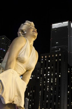 close up statue marilyn monroe in chicago