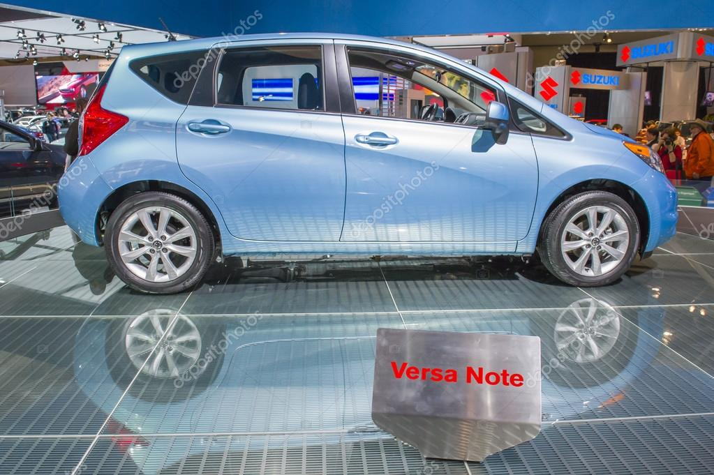 2014 Nissan Versa Note Carro Hatchback U2014 Fotografia De Stock