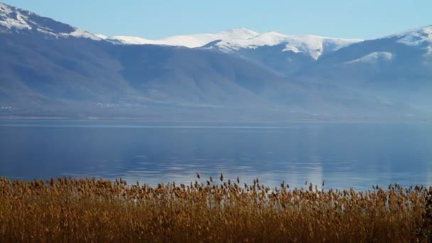 téli táj, a hullámzó tó