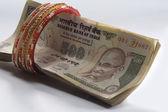 Měna a bižuterie