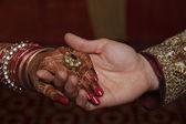 Fotografie Paar Hand in Hand