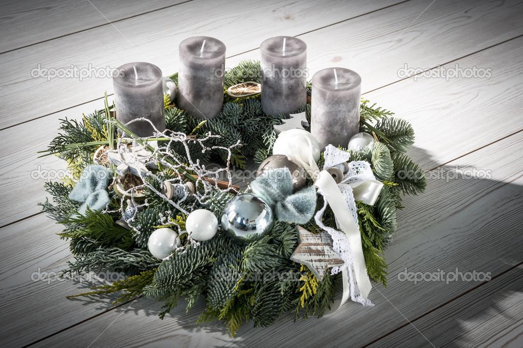 adventskranz mit grauen kerzen stockfoto w20er 36570227. Black Bedroom Furniture Sets. Home Design Ideas