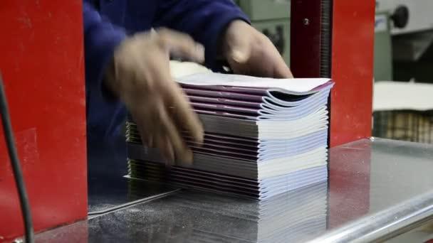 časopis noviny automat, posun a web tištěné produkty, časopis, noviny, brožury, obaly na knihy