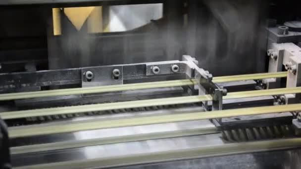 ofsetový tiskařský lis skládání denní noviny detail