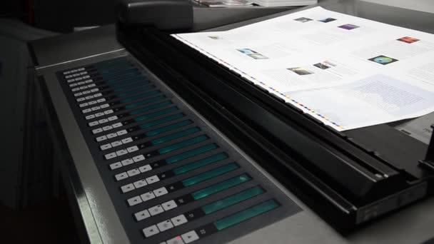 Spektrofotometr na ofsetovém stroji