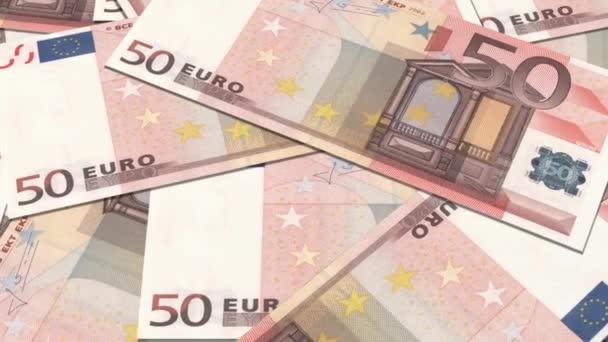 50 euro bankovek v řadě.