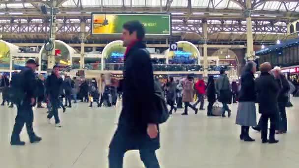 železniční nádraží Victoria v Londýně