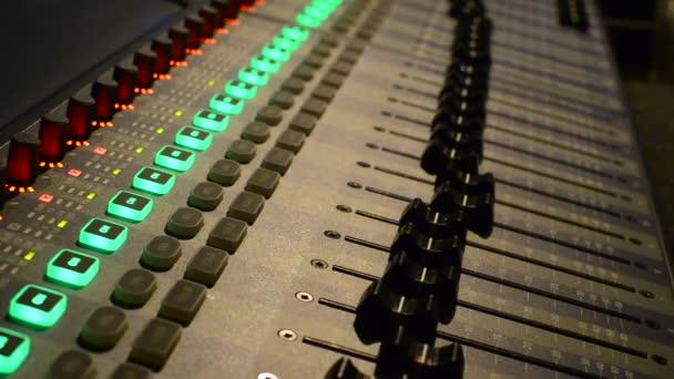 Sound recording studio mixette