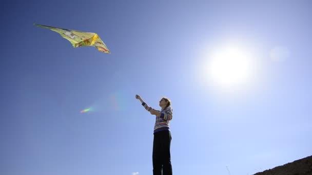 dívka začne Létající drak