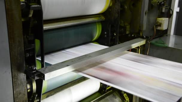 ofsetový tisk hit set role papíru
