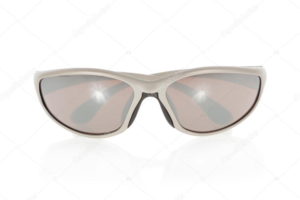 e5a87166f1 αθλητικά γυαλιά ηλίου που απομονώνονται σε λευκό φόντο — Φωτογραφία ...
