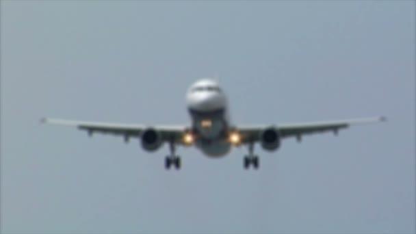 přistání letadla jet přichází v zaměření audio 10484