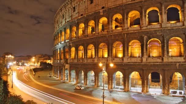 Řím: Colosseum čas zanikla noc