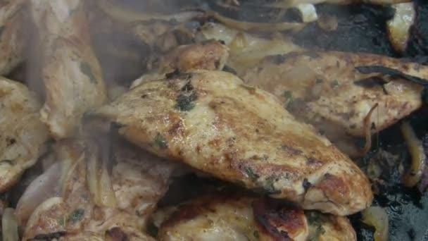 grilovaná kuřecí prsa