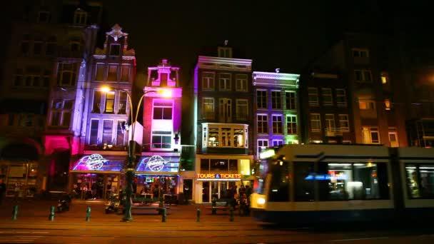 Amsterdam červených luceren, tramvaj, muzeum vodky, Holandsko