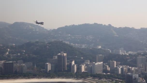 letadlo přistání rio de janeiro Brazílie santos durmont letiště