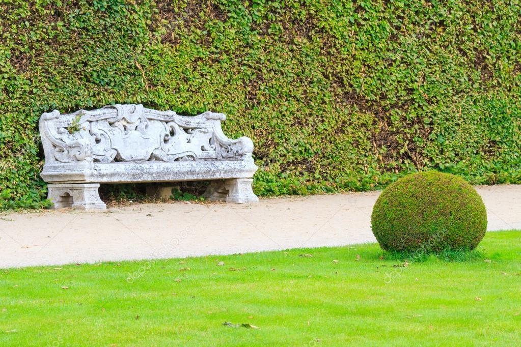 Ornement Jardin Anglais Avec Banc En Pierre Photographie Bertl123