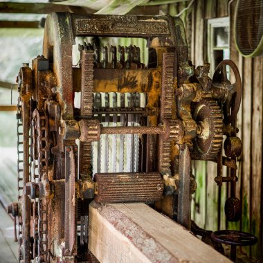 Sawmill old mechanism