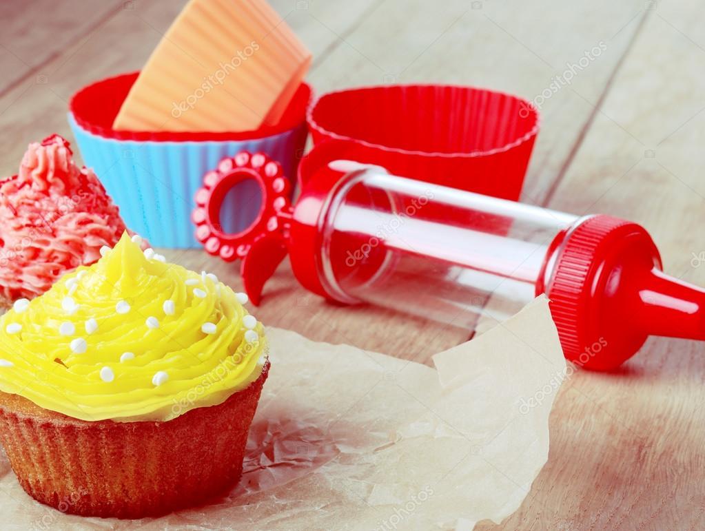 Tavolo Compleanno Natale : Dolce pasqua torte di compleanno natale u foto stock itkach