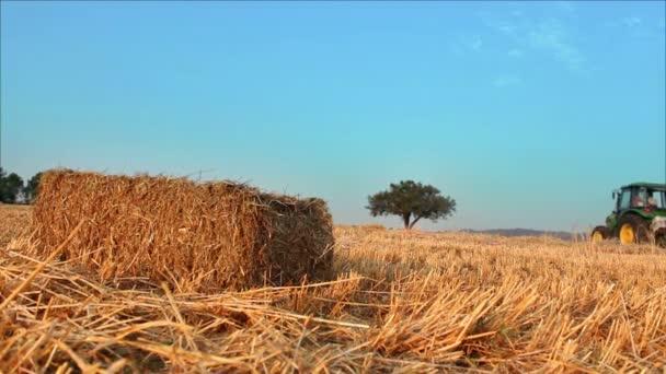 Bale a zemědělských balicí stroj