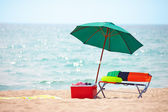 skládací nábytek a ledu box na letní beach