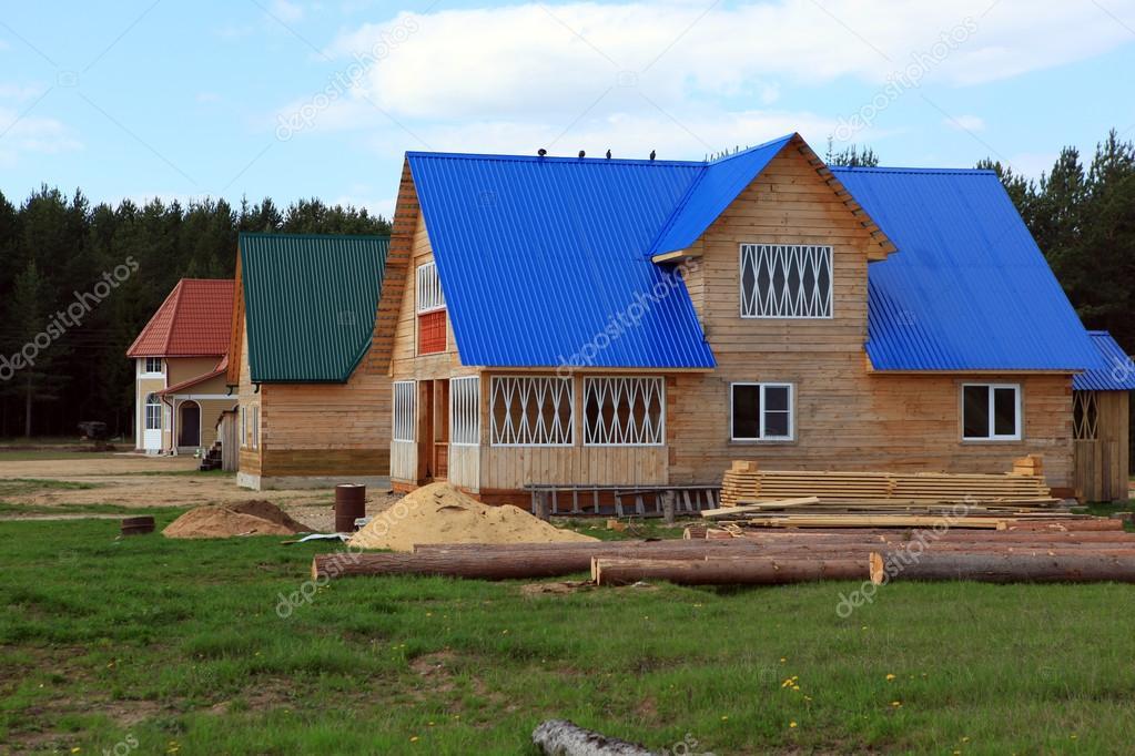 Bau Von Neuen Häusern Im Ortsteil Ploskoje Verhovazhskogo, Region Vologda,  Russland U2014 Foto Von Muhor